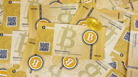 verze : Bitcoin Model Falls down on Paper Banknotes Pile