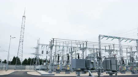 consist : substation consists of electrical energy converters