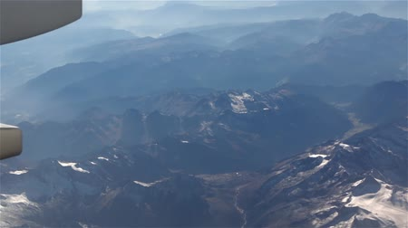 高さ : Snow Alps From The Plane