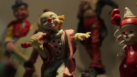 statuette : Clown Violin Figurine Stock Footage