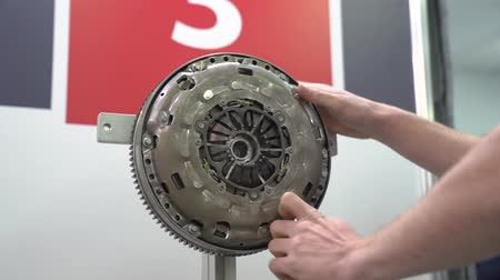 Engine Flywheel Repairs Stok Video