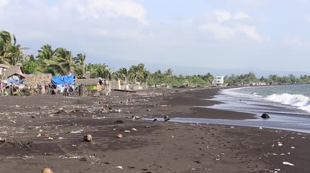 legazpi : Poor area near the sea in Legaspi, Philippines