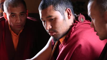 hacı : LAMAYURU, INDIA - JUNE 15, 2015: Unidentified tibetan monk during Tsam mystery dance in time of Yuru Kabgyat Buddhist festival at Lamayuru Gompa, Ladakh, North India
