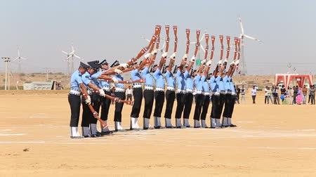 marchs financiers : JAISALMER, INDIA - FEBRUARY 09, 2017: Military parade. Indian Guard show skill with a rifle contest as part of Desert Camel Festival in Jaisalmer, Rajasthan, India