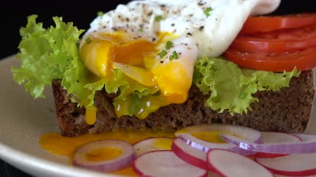 poached egg : Close up, breakfast concept