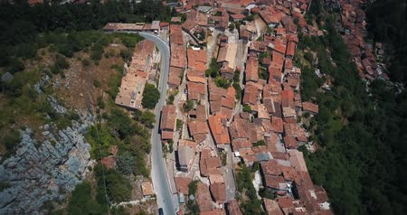 toszkána : Aerial drone footage video - panoramic view of Tagliacozzo, AQ. Italy Stock mozgókép