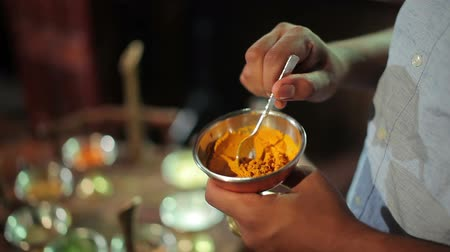 aphrodisiac : Cook mix with spoon the spices in a bowl