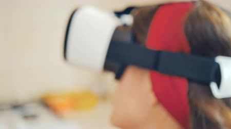 pinup : Close-up of pin-up girl in virtual reality glasses