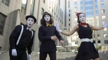 greasepaint : Three mimes want to be better than their colleagues