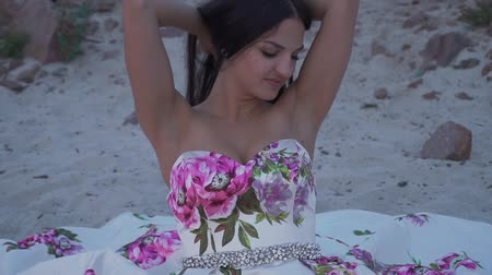 liberal : Beautiful woman in a long evening dress Stok Video