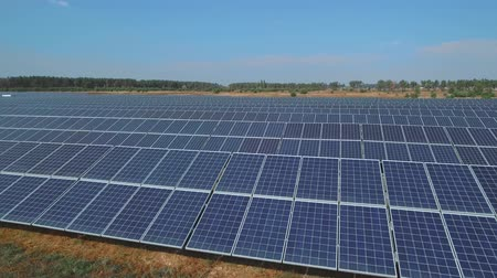 fotovoltaica : Solar battery farm on meadow. Shot on drone