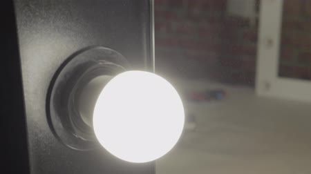 adapter : Close up mirror with the included light bulbs on small production.