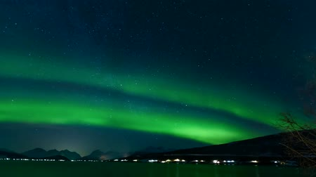 félteke : Time Lapse Video Of Northern Lights Over Sysendalen, Norway