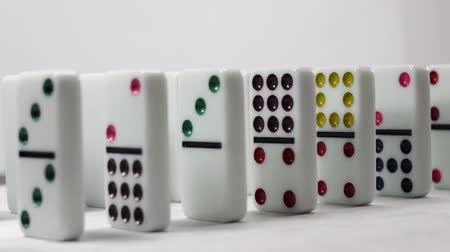 çöküş : Falling Dominoes On White Background