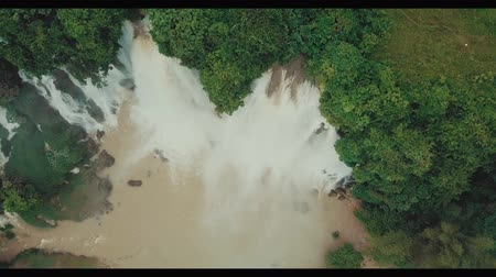 dżungla : Impressive Drone Aerial View Of Big Waterfall In Tropical Jungle