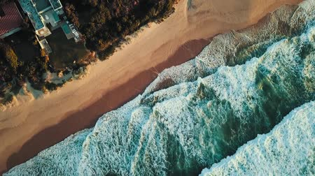 tropikal : Drone Footage Of The Waves Crashing The Beachfront