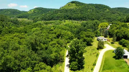 grama verde : Aerial View Of Mountain Road Through Forest. MN, United States