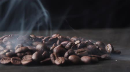 sabor : Roasted coffee beans with a smoke