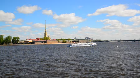 peter and paul fortress : St. Petersburg, Russia - June 03. 2017. Peter and Paul Fortress and river Neva Stock Footage