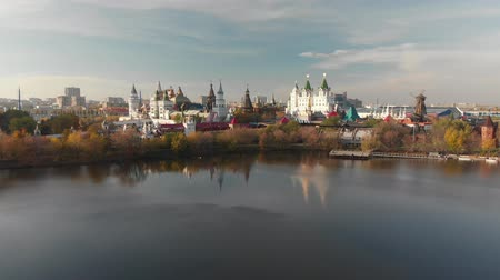 православие : Flight over Silver-grape pond to the Izmailovsky Kremlin in Moscow, Russia