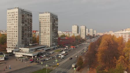 Moscow, Russia - October 20. 2018. Flight over central avenue in Zelenograd Vídeos