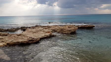 kıbrıs : Mediterranean Sea off the southern coast of the island of Cyprus