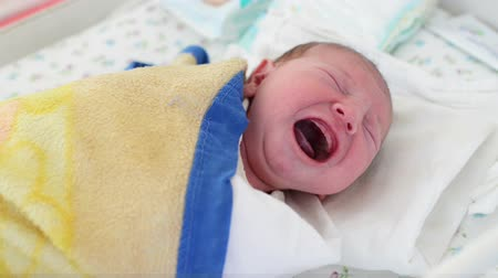 sinir : Newborn baby crying at maternity