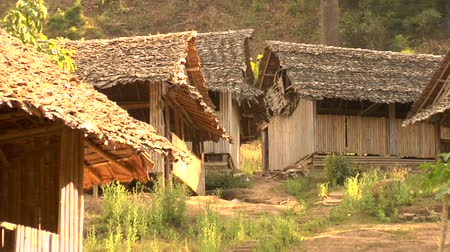 tábor : Houses in Mae La refugee camp on the ThailandBurma border. Home to over 60,000 people Dostupné videozáznamy