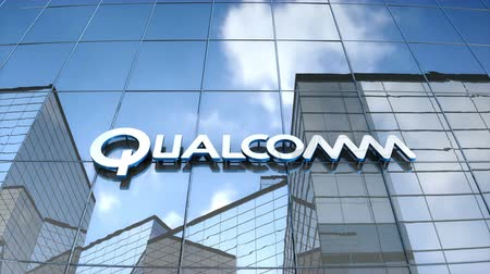 полупроводник : Editorial use only, 3D animation, Qualcomm logo on glass building.