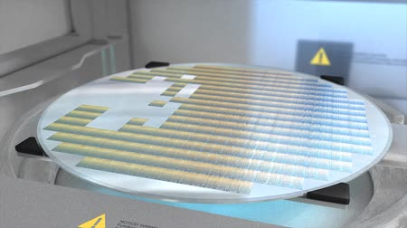 トランジスタ : Separating a silicon wafer into individual die.