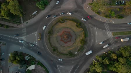 バン : 4k aerial view of road with circular cars