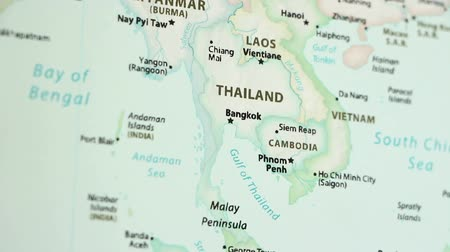 Камбоджа : Thailand on the political map of the world. Video defocuses showing and hiding the map. Стоковые видеозаписи