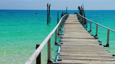 atracação : Wooden jetty on tropical beach, Samed island in Rayong province, East of Thailand.