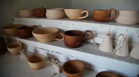 kamenina : pottery warehouse, pan