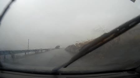 meio : traveling by car in heavy rain Stock Footage
