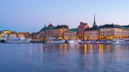 svéd : Timelapse of Stockholm city skyline at night in Stockholm city, Sweden time lapse 4K