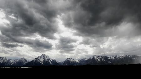 grand tetons : The storm is approaching, the mountains of Grand Teton, Wyoming.