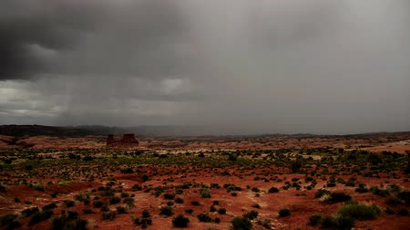 powódź : Clouds and rain over the desert of Moab, Utah. Wideo