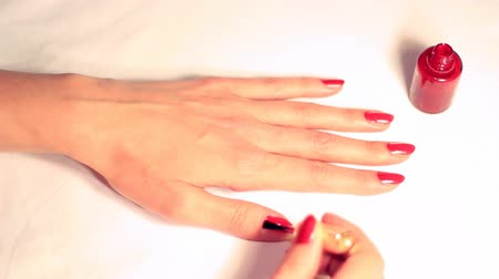 lakier do paznokci : Nail polish ; Nail polish, red lacquer,video clip. Wideo