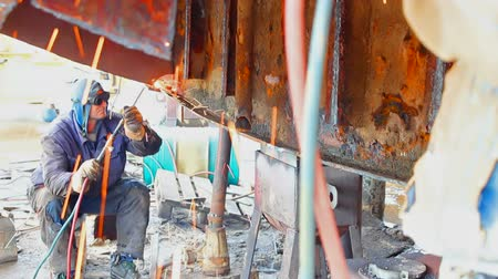 Welder ;Welder shall repair the ship with gas welding,video clip Wideo