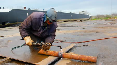 fire facilities : Metal arc welding ; Welder shall repair the ship with gas welding,video clip