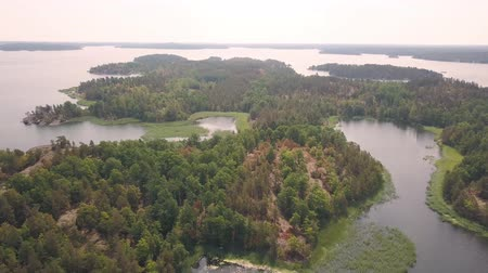 swedish lake with many islands Vídeos