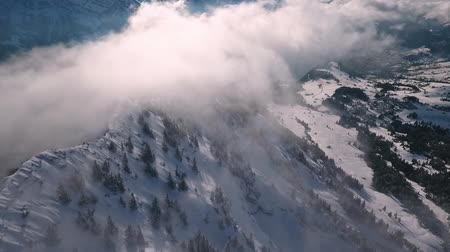 Карпаты : a drone flight in the Swiss mountains through the fog