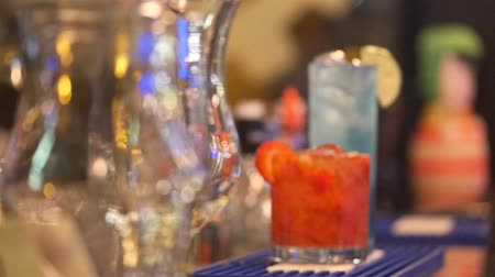 Strawberries Dacre And Blue Hawaii In Glasses - Focus Pull