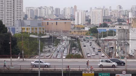 grafiti : Sao Paulo City - Busy Bridge With A Backdrop Of Buildings And Cars
