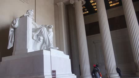 gedenksteen : Abraham Lincoln Near People - Pan - van rechts naar links