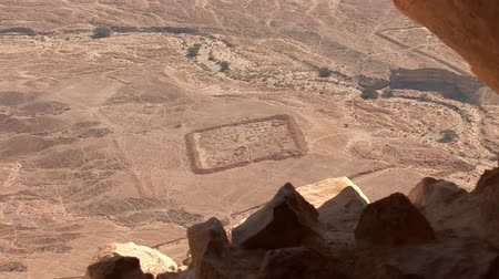 древний : view form Masada  (ancient fortress at the south-western coast of the Dead Sea in Israel) Стоковые видеозаписи