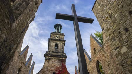 hanover : Aegidienkirche memorial for the victims of wars and power. In 1943 the church was destroyed with the air raids on Hannover by bombs. The church was not rebuilt. Stock Footage