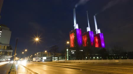 hanover : Hannover, Germany - November 27, 2017: Hannover-Linden Power Plant at early morning. Time lapse Stock Footage
