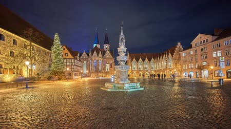 Altstadtmarkt in Braunschweig at winter evening. Germany. Lower Saxony. Time lapse. 影像素材